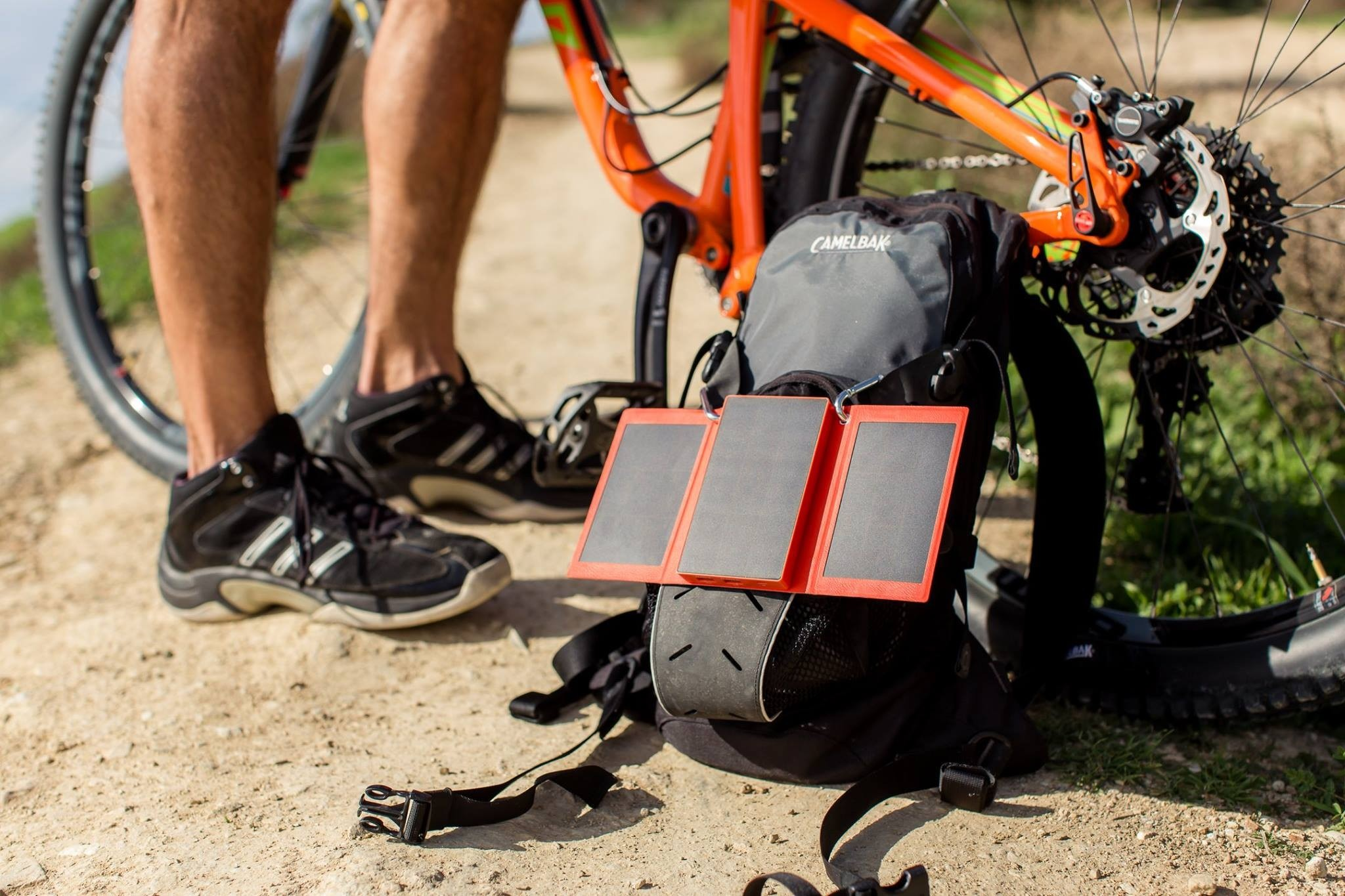 SolPro Tri-Fold Solar Charging Power Bank
